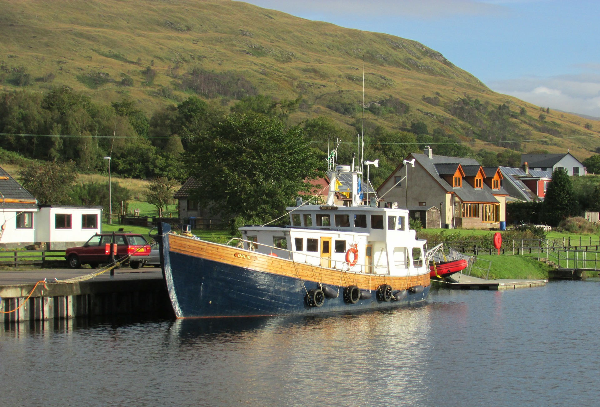 caledonian-canal-boot