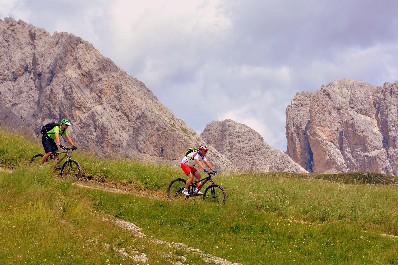 mountainbike touren reisef hrer wandern und radfahren. Black Bedroom Furniture Sets. Home Design Ideas